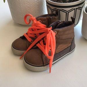 Gap High-Top Brown Leather Shoes - Size 5